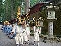 La procession Hyakumono-Zoroe Sennin Gyoretsu (Shunki reitaisai, Nikko) (42419846944).jpg