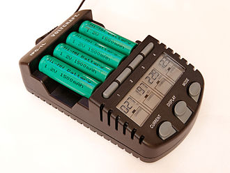 Battery charger - Example of a smart charger for AA and AAA batteries