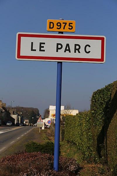 Panneau d'entrée sud du Le Parc sur la RD 975.