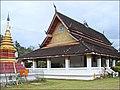 Le Vat Aphay (Luang Prabang) (4337032448).jpg