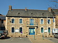 Louvigné-de-Bais-FR-35-mairie-2.jpg