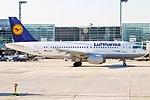 Lufthansa, D-AILP, Airbus A319-114 (16269277628) (2).jpg