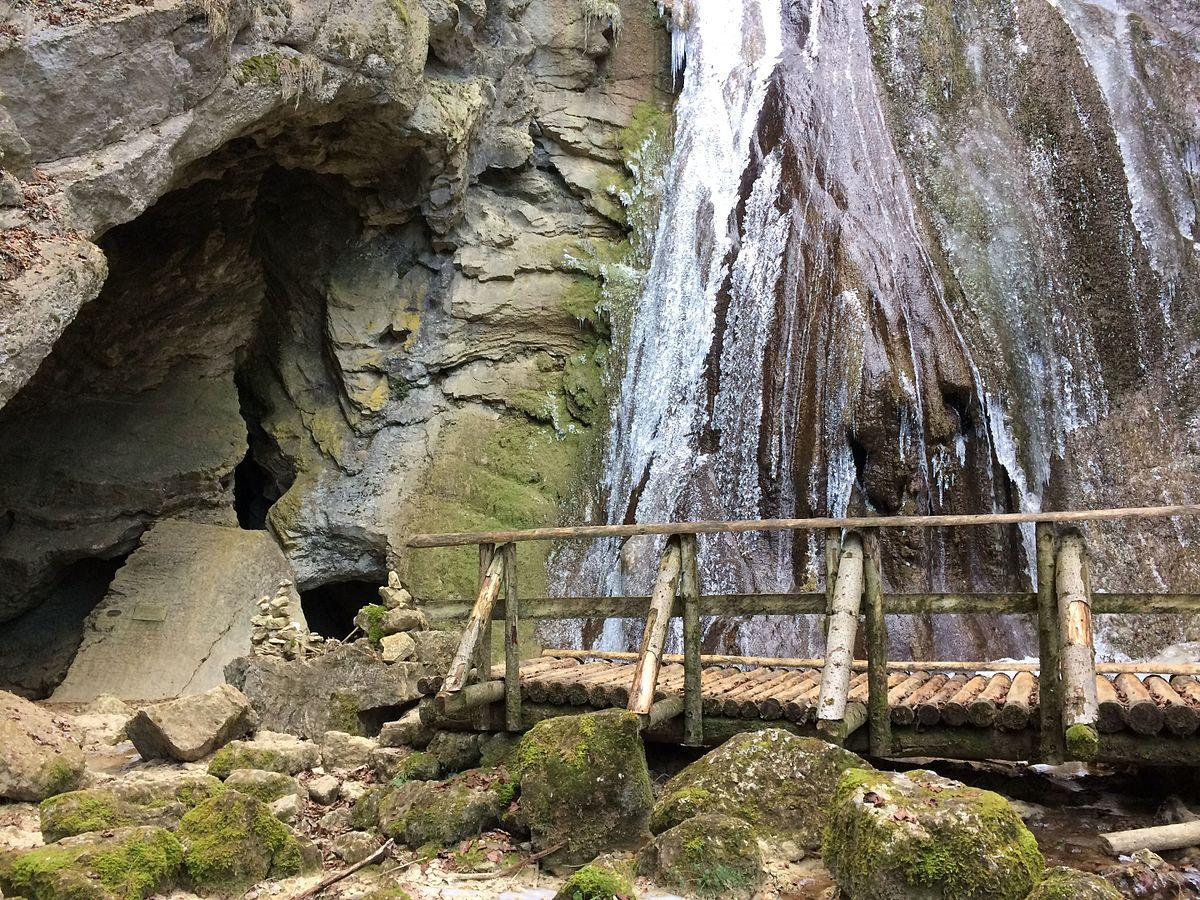 Grotte De La Cascade  M U00f4tiers   U2014 Wikip U00e9dia