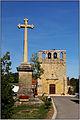 MEYRALS (Dordogne) - Croix devanr l'église Saint-Eutrope.jpg