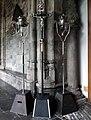 Maastricht, OLV-basiliek, kruisgang, processiekruis en -flambouwen.jpg
