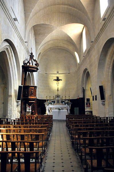 Maillane, Kircheninneres