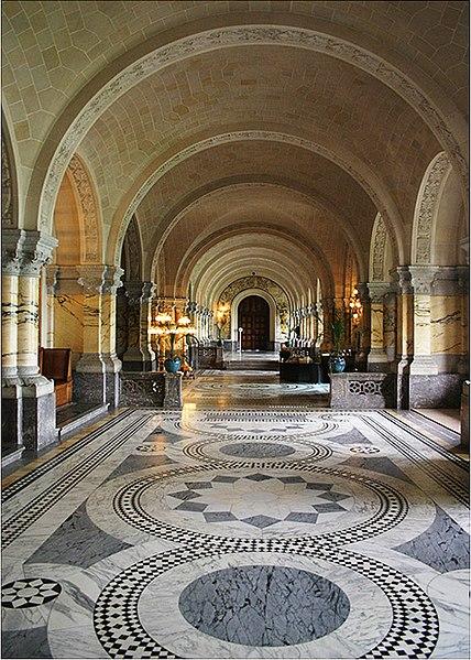 File:Main Hall of the Peace Palace.jpg