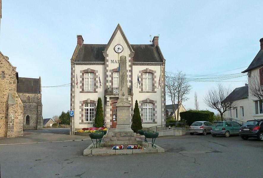 Monument aux morts et mairie de Saint-Sauveur-Lendelin.