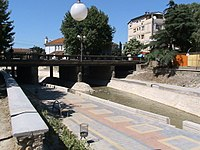 Makedonija, Kavadarci - most na reci Luda Mara.JPG