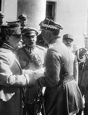 Ferdinand Foch - Foch speaking to General Kazimierz Sosnkowski on the steps of the Belweder Palace in Warsaw (1923). Seen in the centre is Chief of State Józef Piłsudski