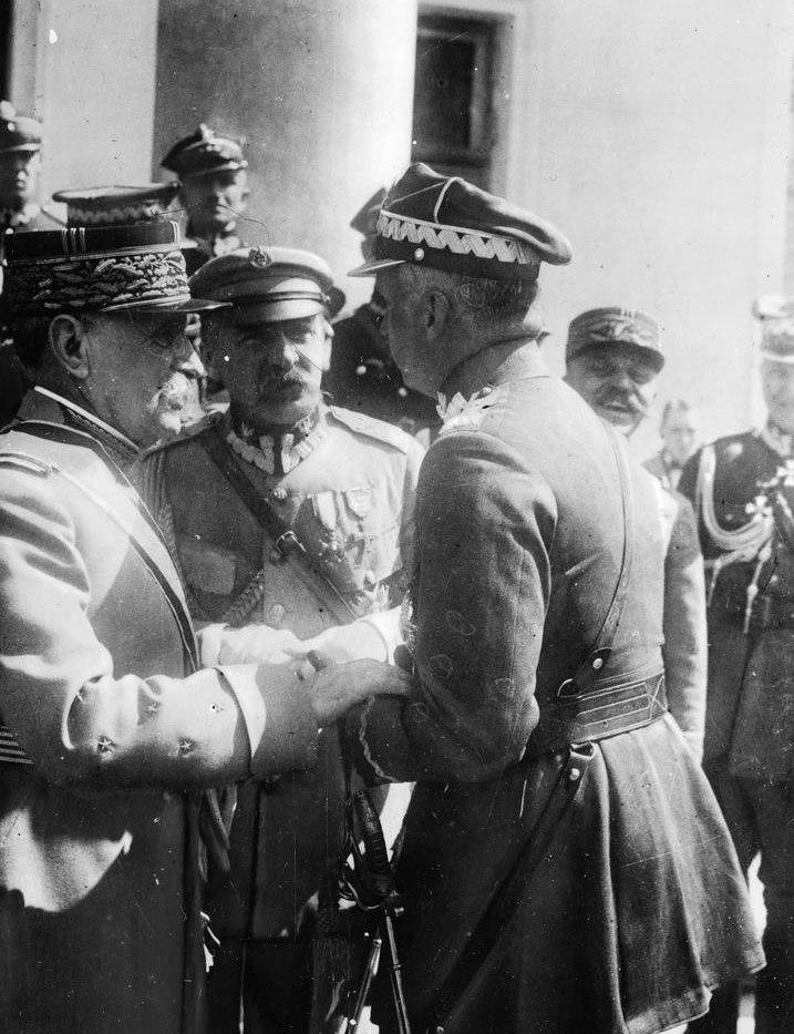 Marsz. Foch rozmawia z gen. Sosnkowskim (1923)