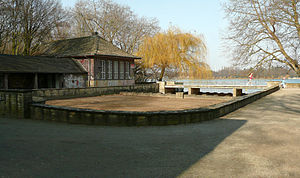 "Maschsee - The ""Maschsee Source"" with empty water basin"
