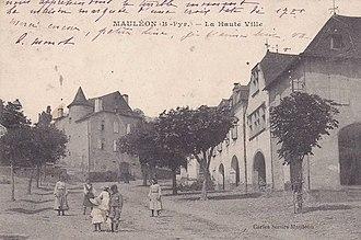 Soule - Bela Street in Mauléon (1910)