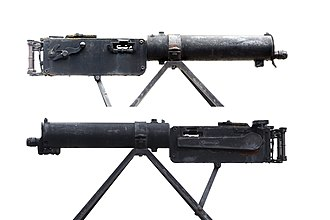 MG 08 - Two sideviews of the original water-cooled MG 08 infantry version