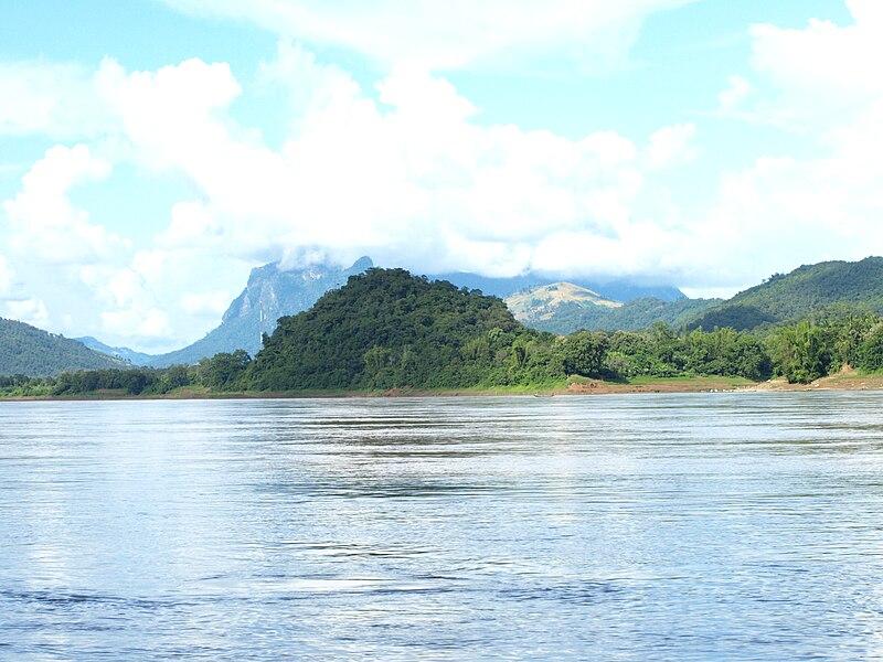 File:Mekong River by Luang Prabang, Laos - 20091020.jpg