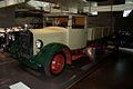Mercedes-Benz Lo 2000 1932 Diesel Pritschenwagen LSideFront MBMuse 9June2013 (14796910599).jpg