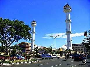 """The Grand Mosque of <a href=""""http://search.lycos.com/web/?_z=0&q=%22Bandung%22"""">Bandung</a>, capital of West Java."""