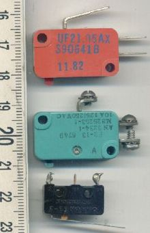 miniature snap-action switch
