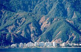 Deslaves en la costa del litoral, estado Vargas.