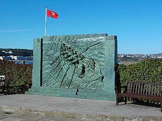 Michael Sandle - Image: Monument to Sir William Hillary, Douglas Promenade geograph.org.uk 38406