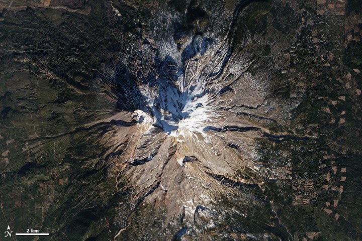 Mount Shasta satellite view Jan 2014 - Zoomed