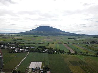 Mount Arayat - View to Mt. Arayat from NNW: distance ≈ 8 km, (flight) altitude ≈ 120m