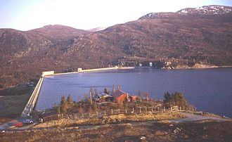 Affric-Beauly hydro-electric power scheme - Image: Mullardoch dam (Trevor Rickard)