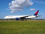 N862DA Delta Air Lines Boeing 777-232(ER) - cn 29734 taxiing 19july2013 pic-008.JPG
