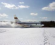 A NASA Boeing 737-100 landing.