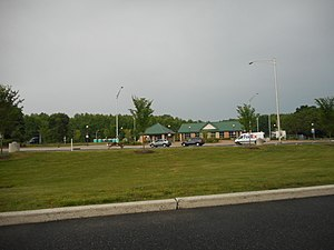 Interstate 295 (Delaware–New Jersey) - Welcome center / rest area along northbound I-295 in Carneys Point Township