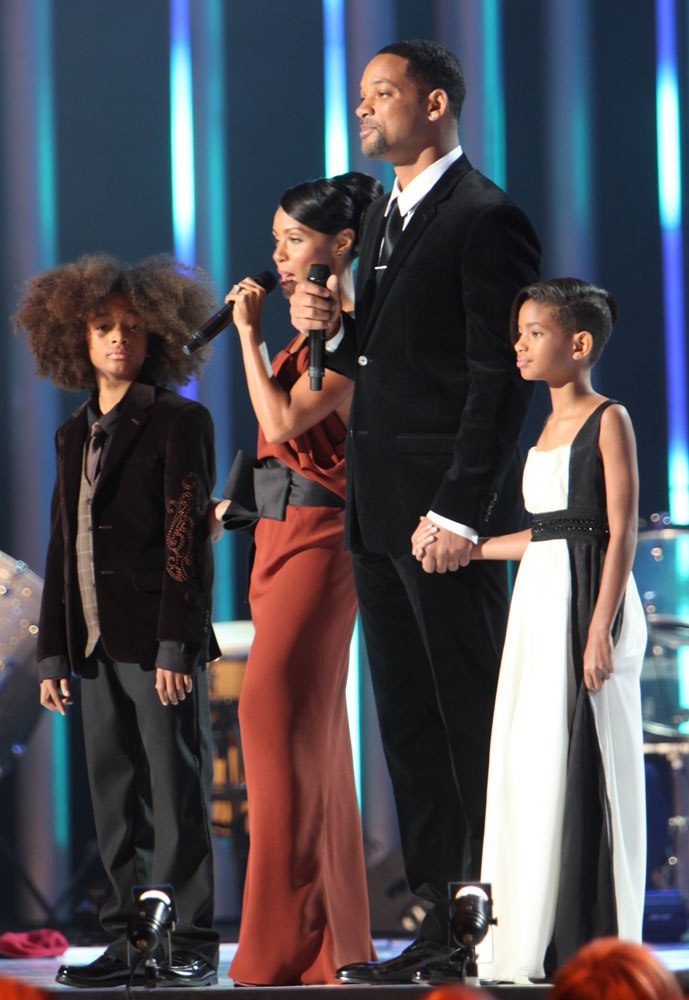 Nobel Peace Price Concert 2009 Will Smith and Jada Pinkett Smith with children1