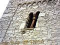 Offheim (Hessen)-Kirchturm von Norden - mittleres Geschoß mit Biforium-07042012.JPG