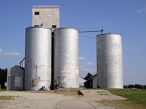 Lehigh, Kansas - Image: Old Grain Elevator in Lehigh, Kansas