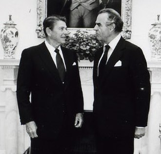 Oliver Wright - Image: Oliver Wright and Ronald Reagan 1982