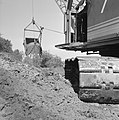 Ontginning, grondbewerking, egaliseren, bezanden, draglines, waterregge, Bestanddeelnr 159-0417.jpg