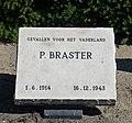 Oorlogsgraf P. Braster in Alphen aan de Rijn.jpg
