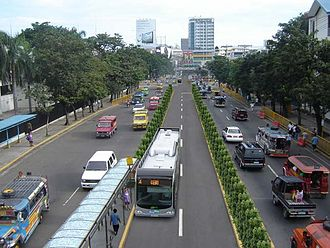 Osmeña Boulevard - Osmeña Boulevard, with the artist's impression of Cebu Bus Rapid Transit System in its middle.
