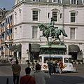 Overzicht rechterzijde ruiterstandbeeld Willem van Oranje - 's-Gravenhage - 20363330 - RCE.jpg
