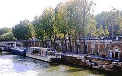 PA130232 Paris V Quai et port de Montebello reductwk.JPG