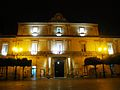 Palazzo comunale Mottola di notte.jpg