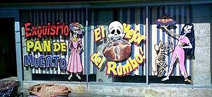 Vitrina de panadería durante el día de muertos...