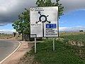 Panneau Directions Rond-point Route Villeneuve Crottet 3.jpg