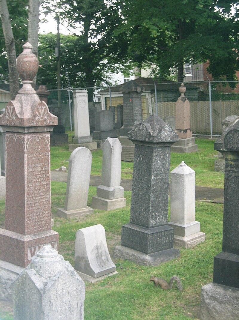Pape Ave Cemetery.JPG
