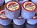 Paris, fromage Istara P'tit Basque au marché.JPG