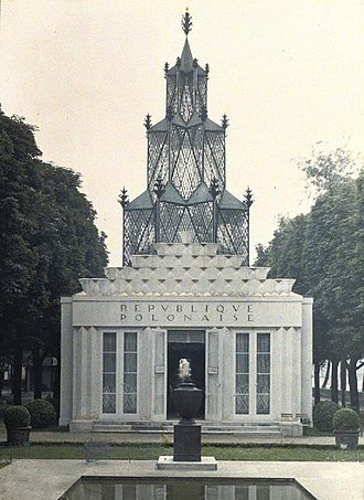Autochrome Lumière - An Autochrome of the pavilion of Poland in Paris 1925.