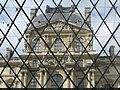 Paris 75001 Cour Napoléon Louvre Pavillon Richelieu 01az frontal.jpg