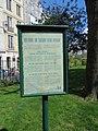 Paris 75005 Square René-Viviani information board 20170913.jpg