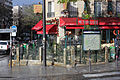 Paris Metro 12 Porte de Versailles Eingang.JPG