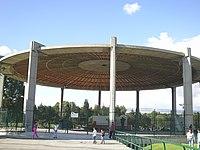 Parque Simon Bolivar Templete.JPG