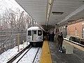 Passengers alighting from M train at Metropolitan Avenue, December 2017.JPG